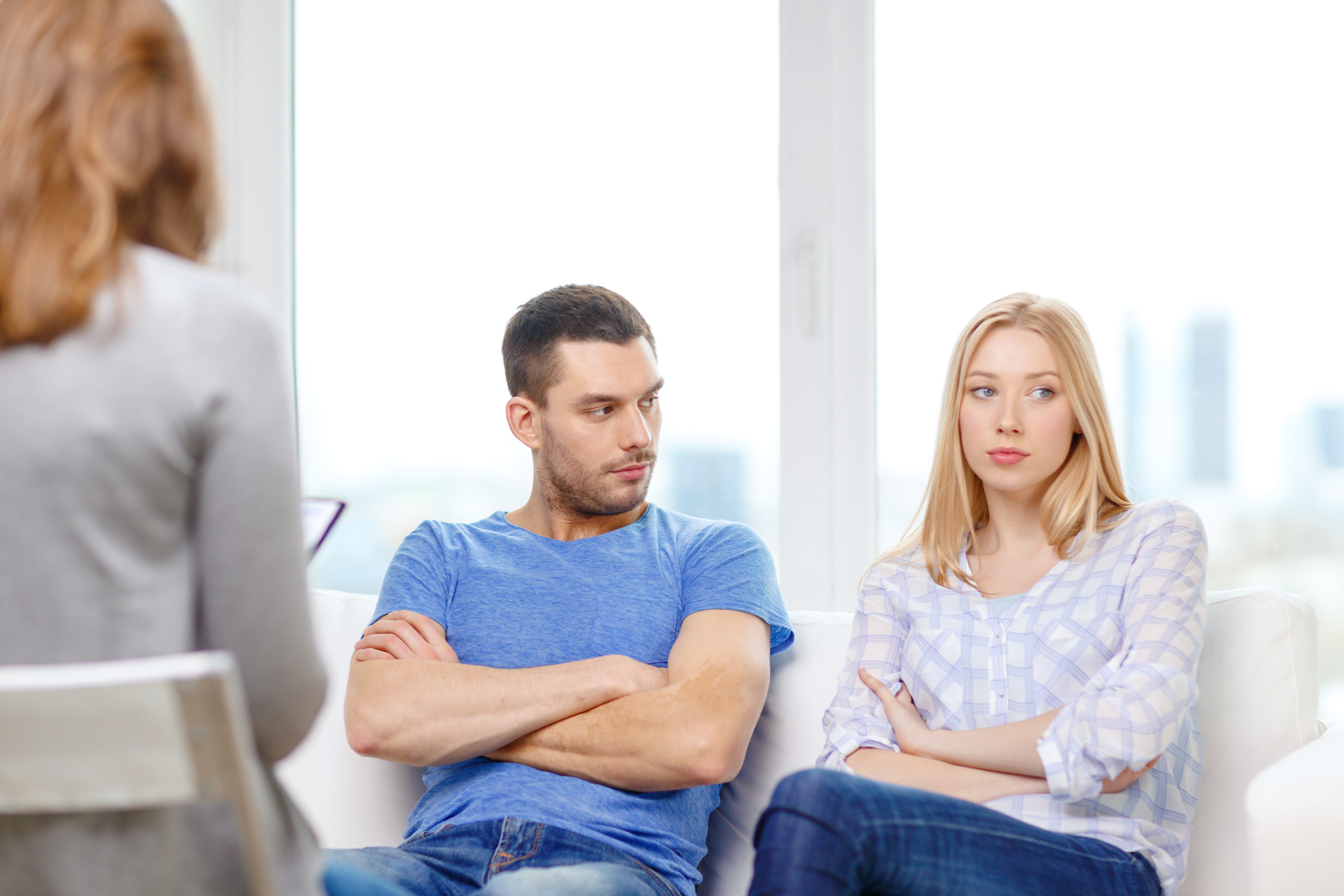 Как сохранить семью и удержать мужа – психологическая помощь онлайн